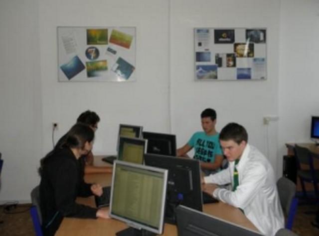 Střední škola spojů a informatiky - fotografie 3/10