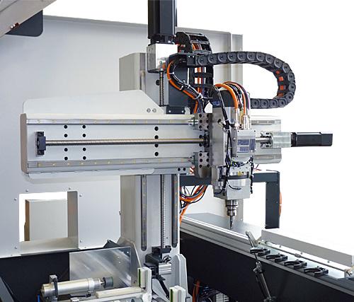 elumatec CZ s.r.o. - Stroje na obrábění hliníkových a plastových profilů - fotografie 17/19