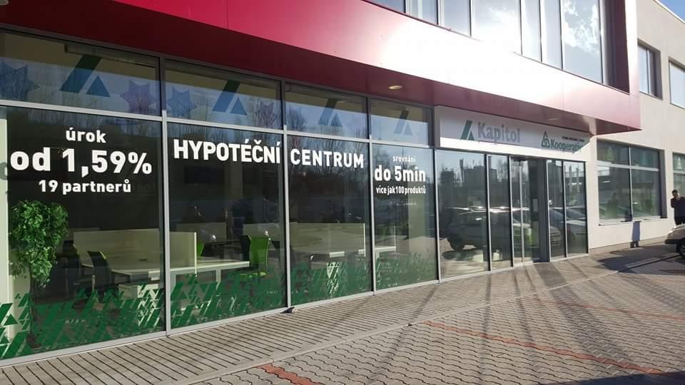 Hypoteční centrum - Michal Veselý DiS. - KAPITOL hypoteční a investiční makléři - fotografie 1/19