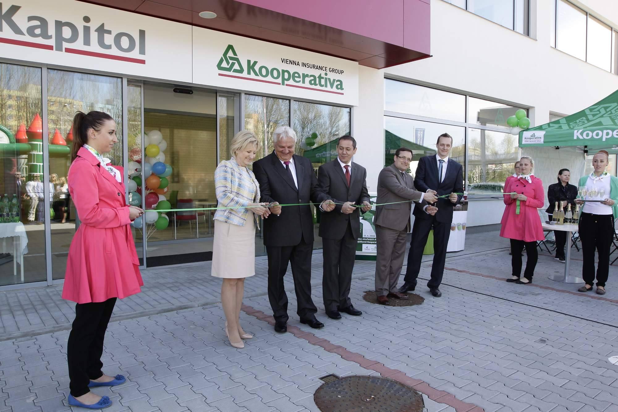 Hypoteční centrum - Michal Veselý DiS. - KAPITOL hypoteční a investiční makléři - fotografie 16/19