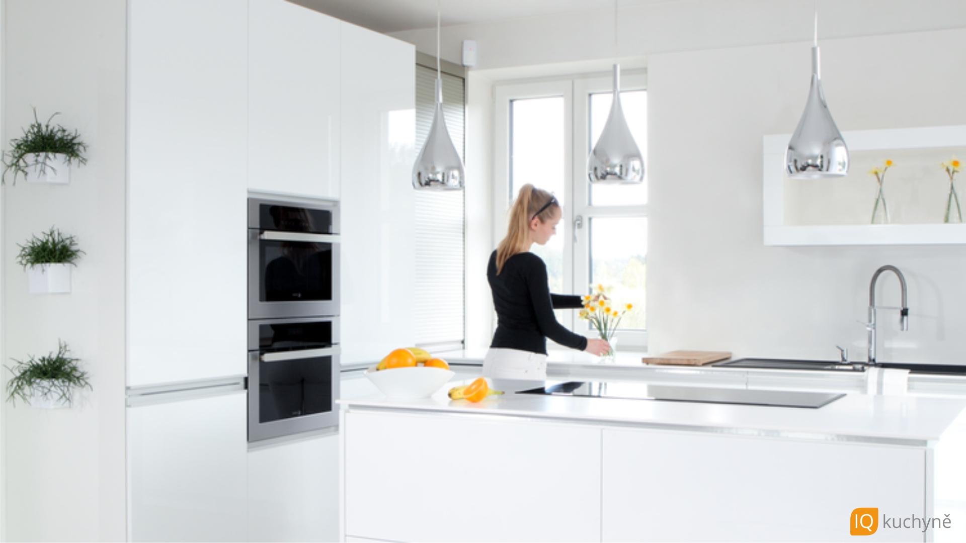 Bílá elegance | Jak se žije v kuchyni
