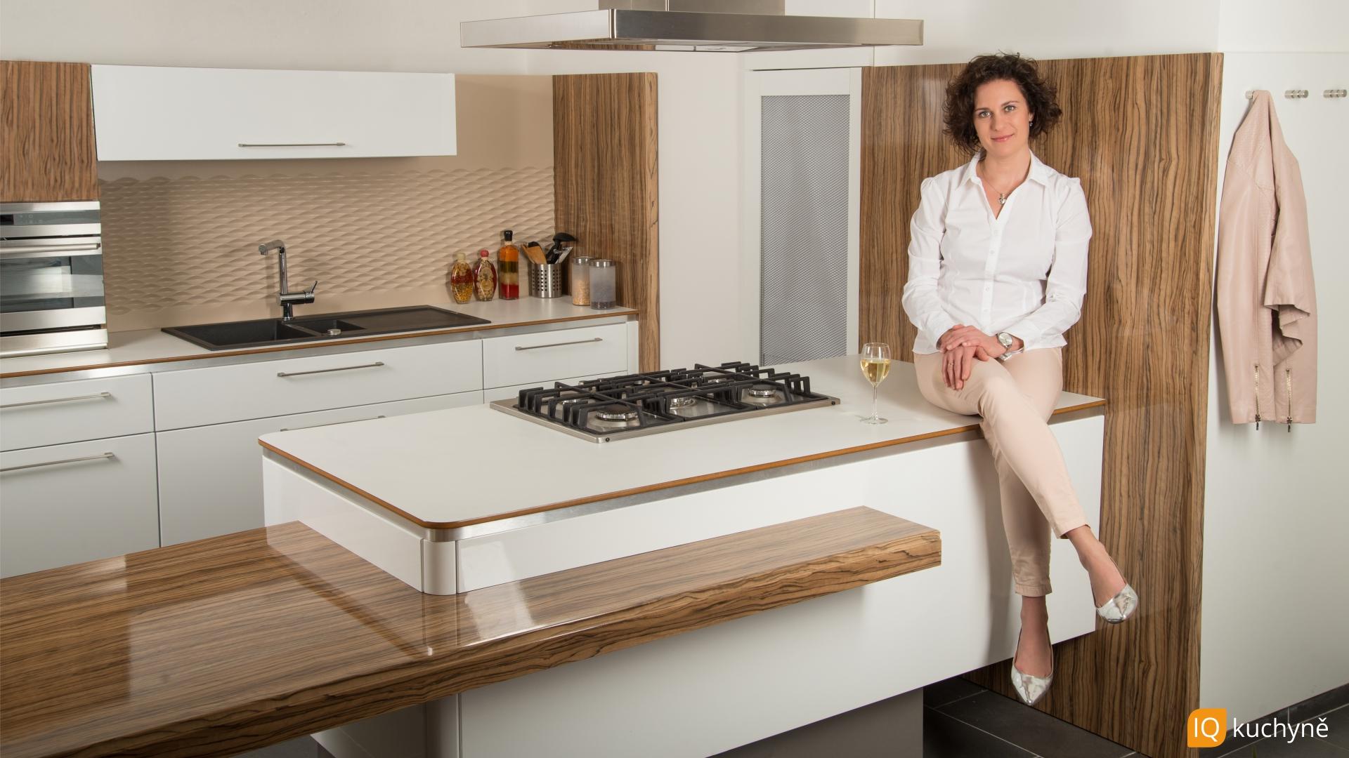 Exkluzivní dřevo + bílá | Kuchyně pro život