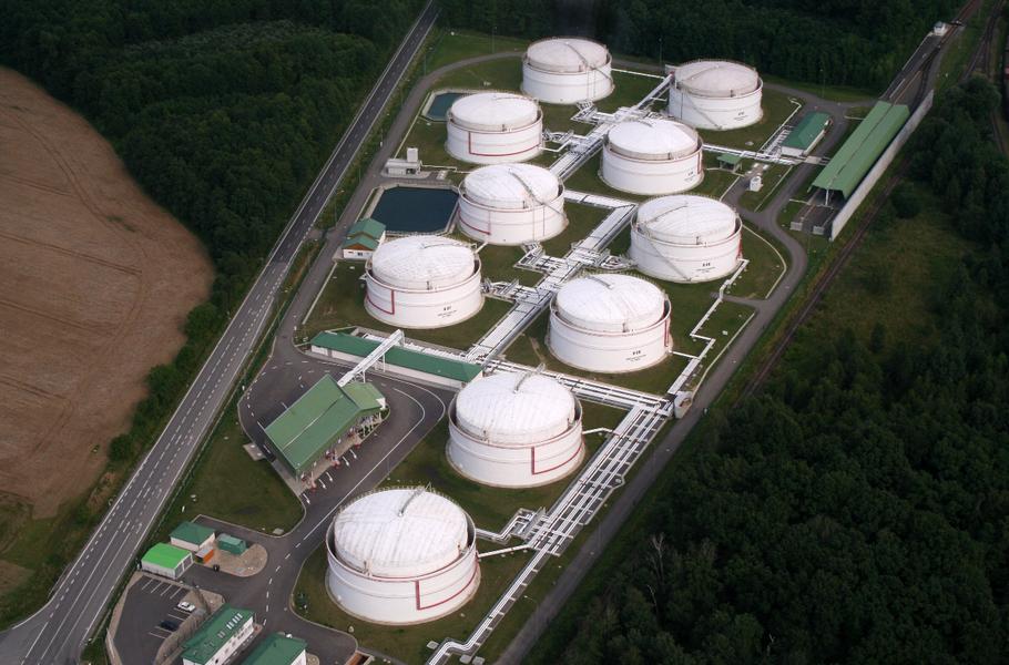 PIK s.r.o. -  dodávky technologií  pro petrochemický průmysl - fotografie 4/11