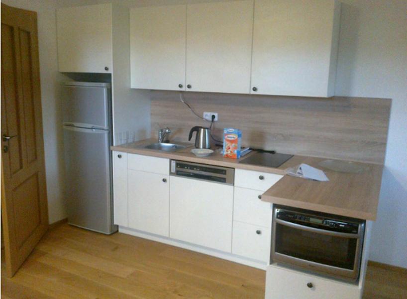 Kuchyňka v rekreačním objektu Šumava.