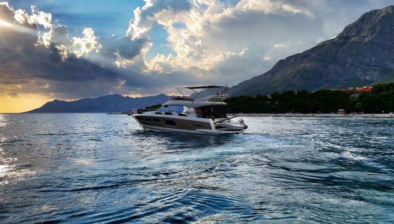 Plavba luxusní jachtou s kapitánem