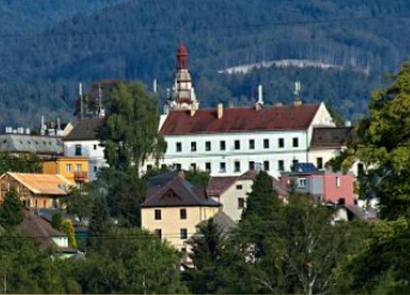 Obecní úřad - Stráž nad Nisou - fotografie 6/15