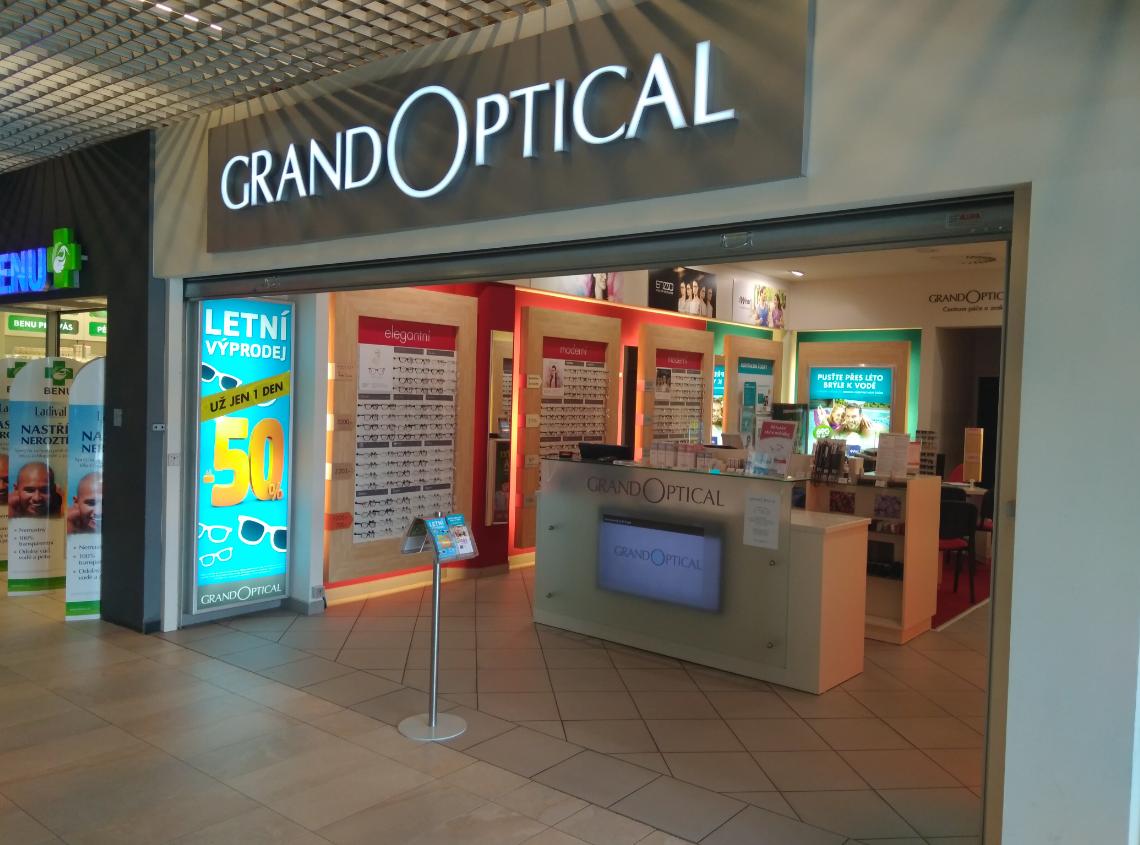Prodejna GrandOptical OC Elan