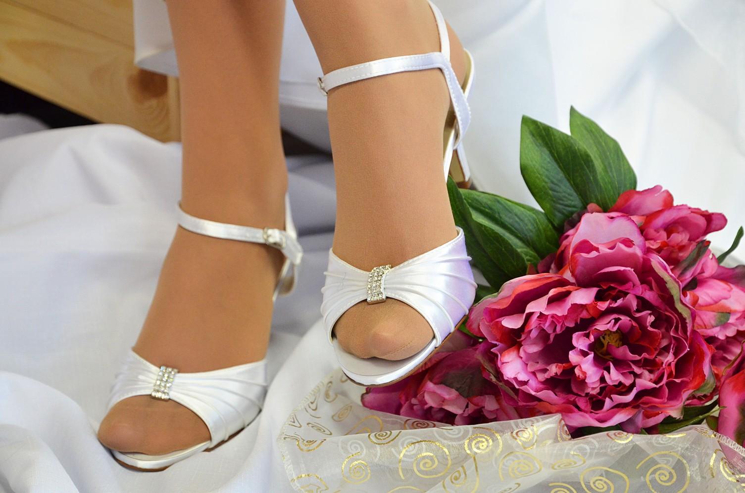 Profilová fotogalerie - Svatební obuv a doplňky 4a176b97e4