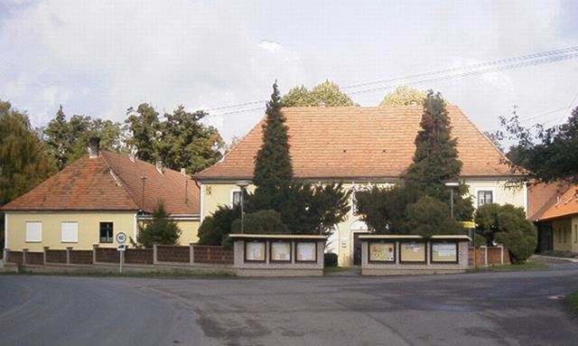 Lukavice - obecní úřad - fotografie 10/13