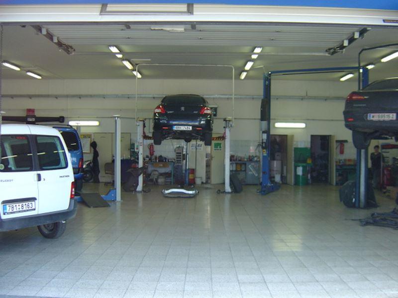 Autoservis Peugeot Jonal, spol. s r.o. - fotografie 14/16