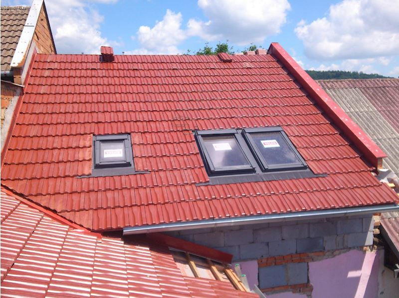 BAHROS s.r.o. - střechy, klempíři, hromosvody, pokrývači - fotografie 2/8