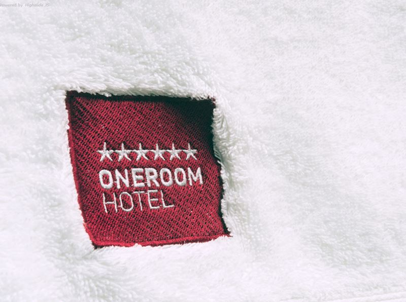 ONE ROOM HOTEL - fotografie 7/11