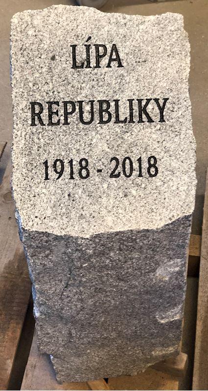 Kamenictví Honzík- pomníkové díly, kamenné parapety, kuchyňské desky Příbram, Dobříš, Březnice - fotografie 80/97