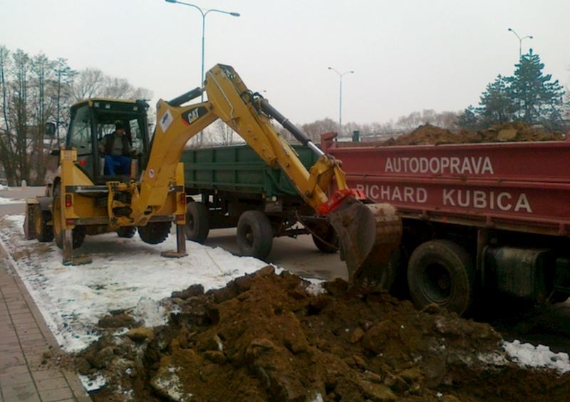Richard Kubica, s.r.o. - zemní práce - fotografie 2/25