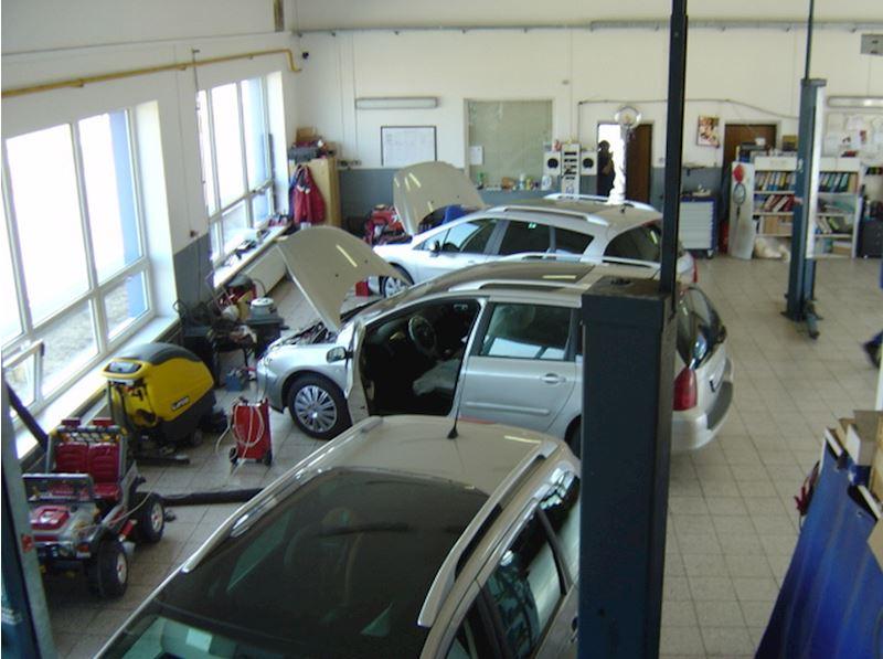 Autoservis Peugeot Jonal, spol. s r.o. - fotografie 8/16