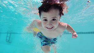 Letní prázdniny kurzy plavecké školy Praha 10 - Vendula Boubínová