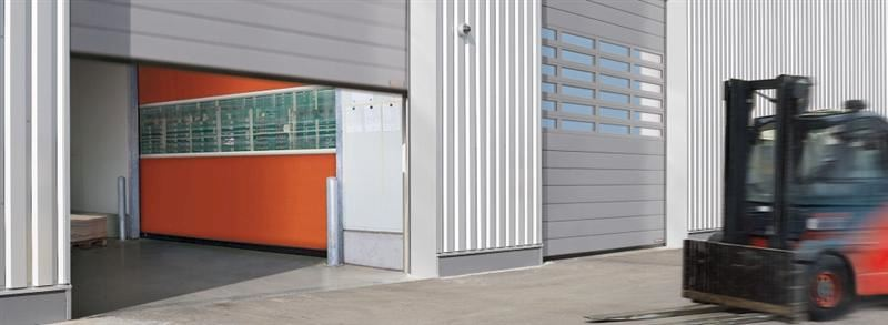 HÖRMANN ČESKÁ REPUBLIKA, s.r.o. - garážová vrata, dveře, pohony - fotografie 11/17