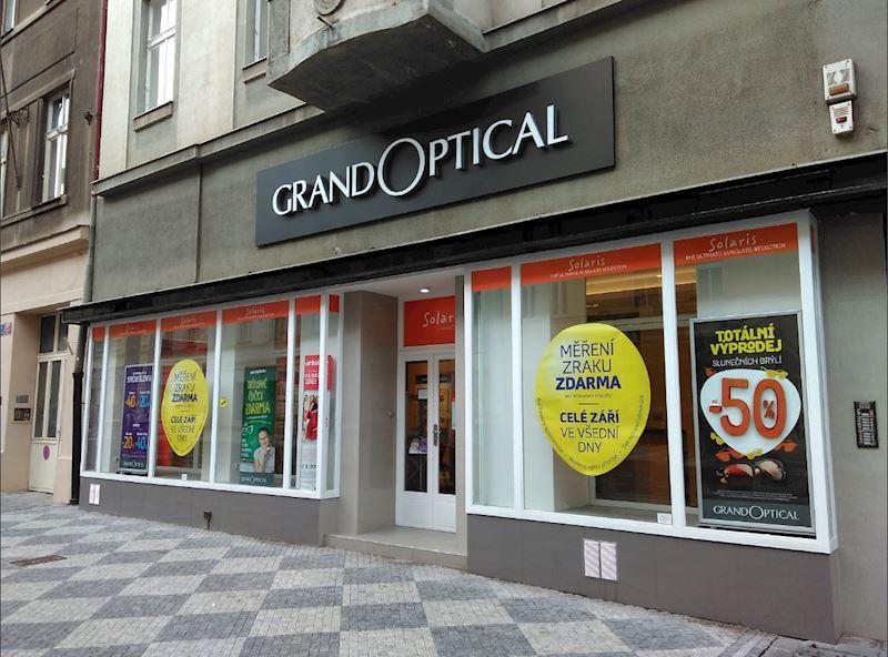 Prodejna GrandOptical Praha