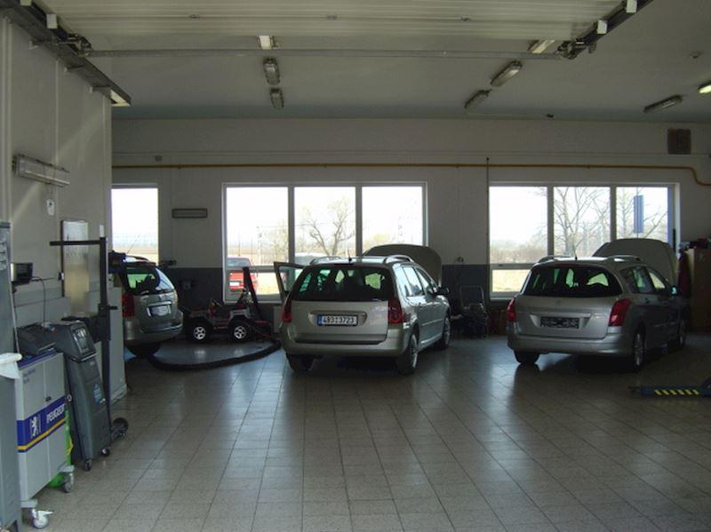 Autoservis Peugeot Jonal, spol. s r.o. - fotografie 9/16
