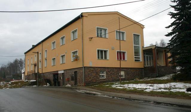 Třemošná - městský úřad - fotografie 6/17