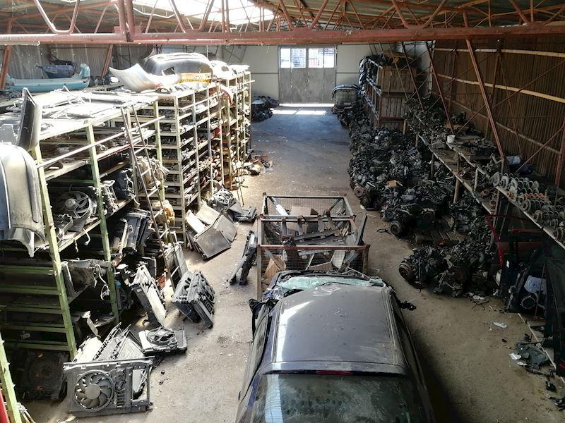 ZEMPRON s.r.o. - autovrakoviště Citroën a Peugeot Třebíč - fotografie 1/23