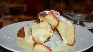 Dukátové buchtičky přelité vanilkovým krémem