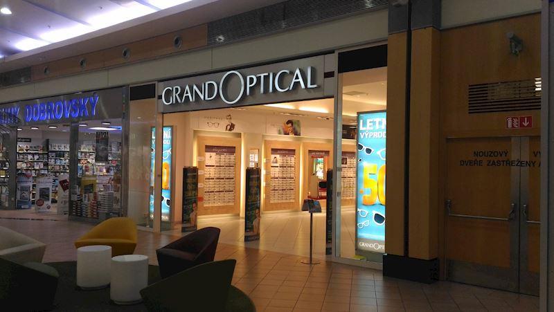 Prodejna GrandOptical  OC Letňany (u Kika)