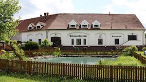 Restaurace Pivovarský dvůr Chýně
