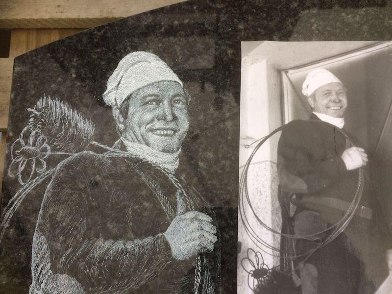 Kamenictví Honzík- pomníkové díly, kamenné parapety, kuchyňské desky Příbram, Dobříš, Březnice - fotografie 87/97