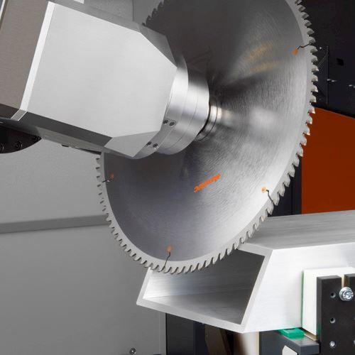 elumatec CZ s.r.o. - Stroje na obrábění hliníkových a plastových profilů - fotografie 11/19