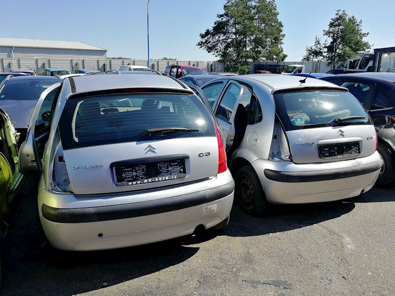 ZEMPRON s.r.o. - autovrakoviště Citroën a Peugeot Třebíč - fotografie 13/23