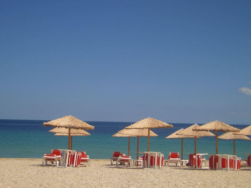 pláž u penzionu Theo beach a vily Vergina v Asprovaltě