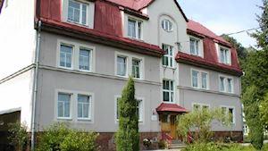Dětský domov, základní škola a školní jídelna, Dolní Lánov 240