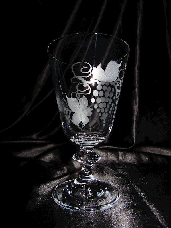 skleničky na víno motiv víno
