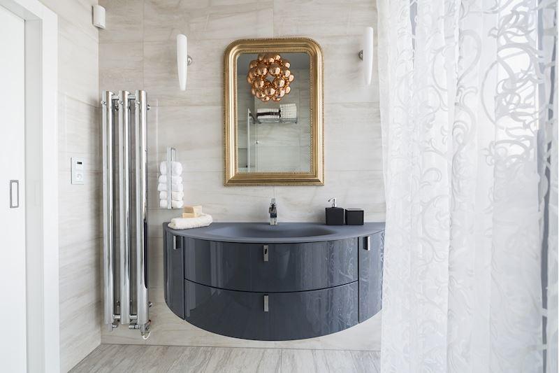 Koupelna s atypickým nábytkem