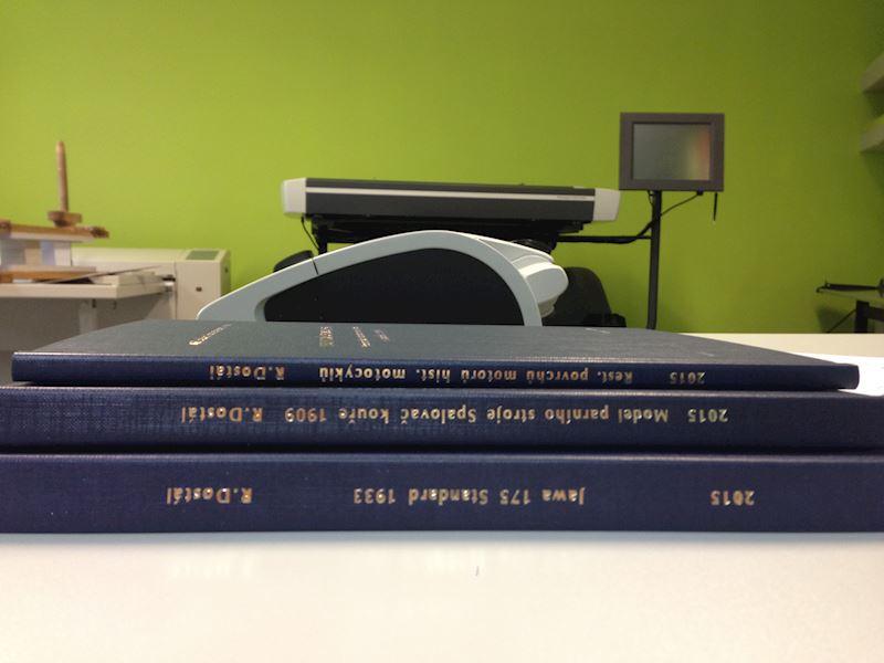 Diplomová práce vazba, tisk a ražba hřbetů i desek