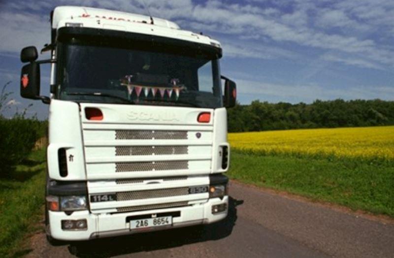KAMIONSERVIS Praha, a.s. - mezinárodní kamionová přeprava - fotografie 9/23