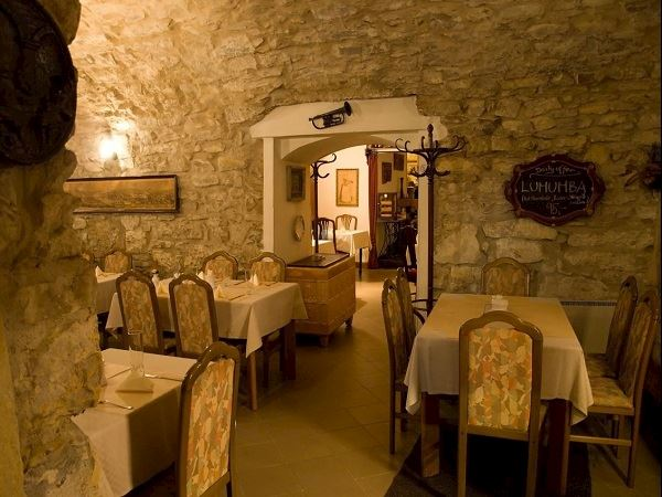Restaurace a vinárna U Laury - fotografie 3/3