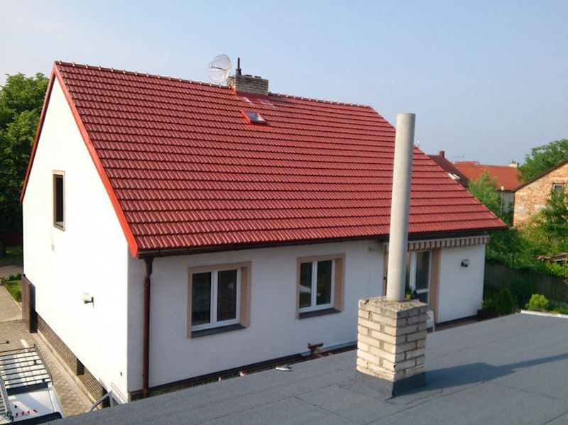 BAHROS s.r.o. - střechy, klempíři, hromosvody, pokrývači - fotografie 3/8