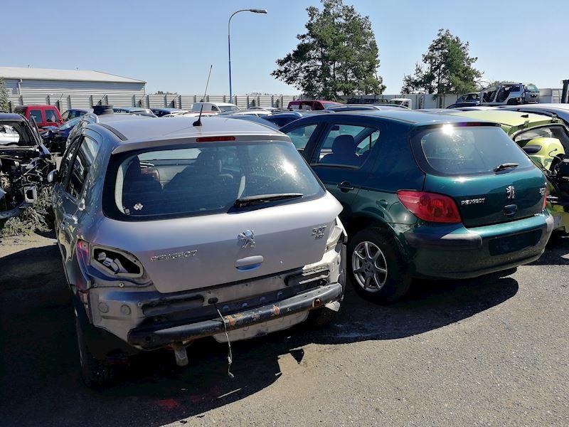 ZEMPRON s.r.o. - autovrakoviště Citroën a Peugeot Třebíč - fotografie 11/23