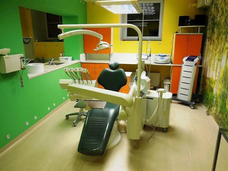 Centrum stomatologie Impla s.r.o. - Dimter Lubomír MUDr., CSc. - fotografie 3/4