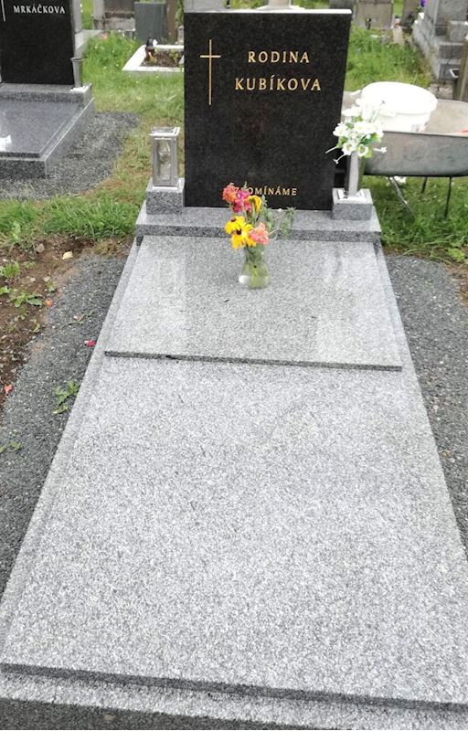 Kamenictví Honzík- pomníkové díly, kamenné parapety, kuchyňské desky Příbram, Dobříš, Březnice - fotografie 44/97