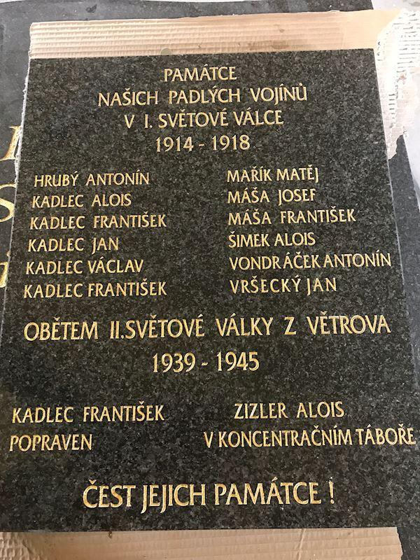 Kamenictví Honzík- pomníkové díly, kamenné parapety, kuchyňské desky Příbram, Dobříš, Březnice - fotografie 69/97