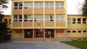 Základní škola, Brno, Kneslova 28