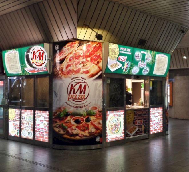 MOOS s.r.o. - světelné reklamy a plexisklo - fotografie 4/15