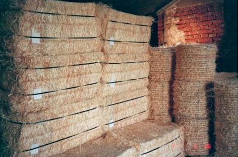 Dřevitá vlna lisovaná v balících