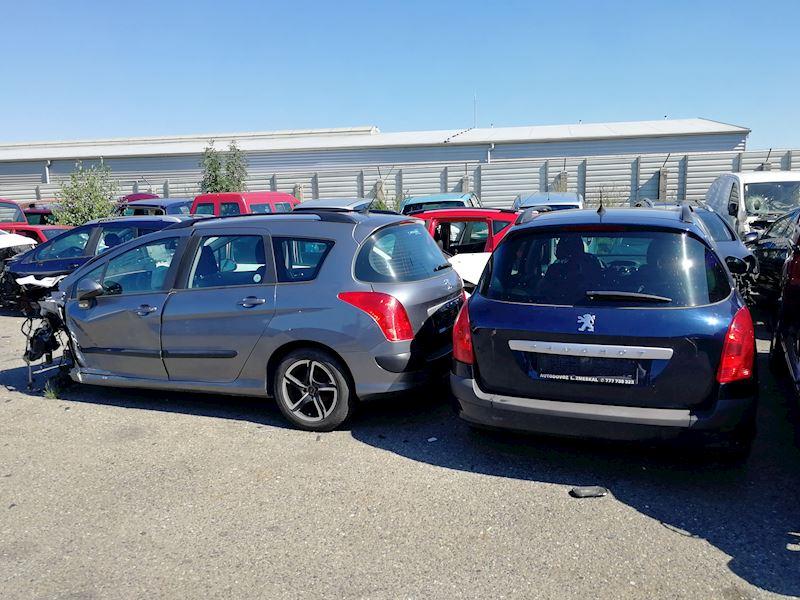ZEMPRON s.r.o. - autovrakoviště Citroën a Peugeot Třebíč - fotografie 18/23
