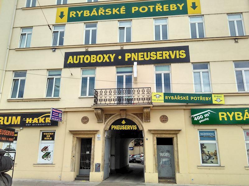 Pneuservis - Rudolf Doleček s.r.o. - fotografie 1/4