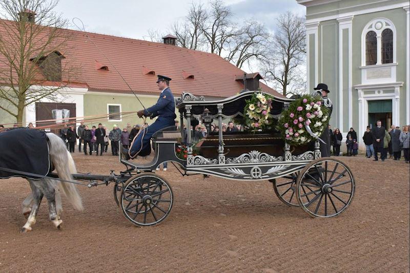 Pohřební služba CHARON – Jitka Filipová s.r.o. - fotografie 10/15