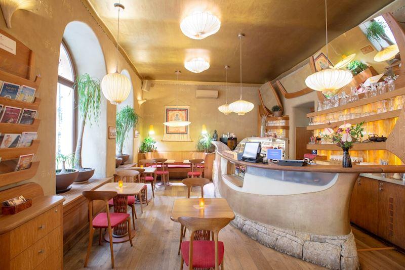 Restaurace Maitrea - vegetariánská restaurace - fotografie 2/8